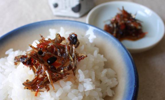 油漬豆豉丁香小魚拌麵一流