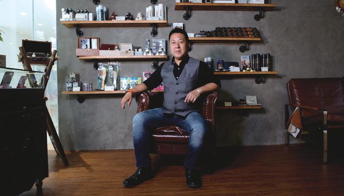 皮具護理新世代 皮革護理專家鄭卓峰博士