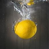 徹底改變健康 - 喝檸檬水的10大理由