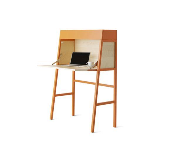 IKEA橙色樺木飾面櫃式寫字枱 $1,890