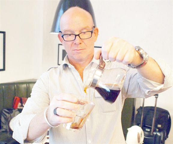 The Hummingfish Foundation創辦人Daniel Groshong把東帝汶Laclubar山區種植的咖啡帶來香港。