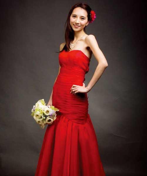 HW Bridal的婚紗晚禮服只賣不租。