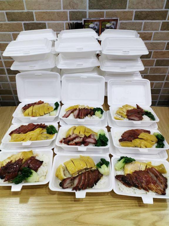千樂燒味室由今年5月25日已經開始向長者派發,關懷社群。