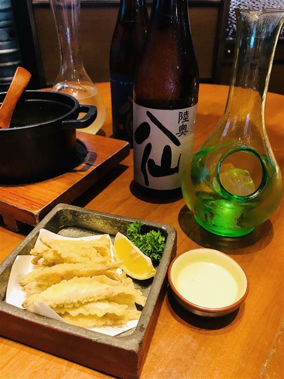 天婦羅鰙魚及陸奧八仙純米吟釀黑