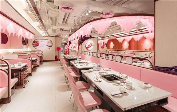 全店粉色裝修,感覺夢幻,有別一般火鍋店的形象格局,感覺像去了café一樣。