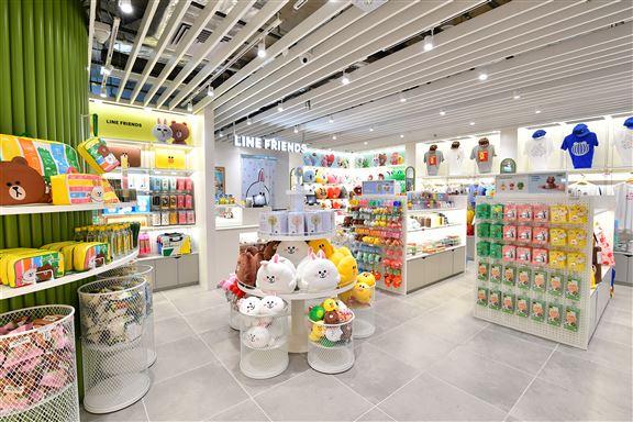 LINE FRIENDS在東薈城名店倉開outlet已於8月23日開幕。