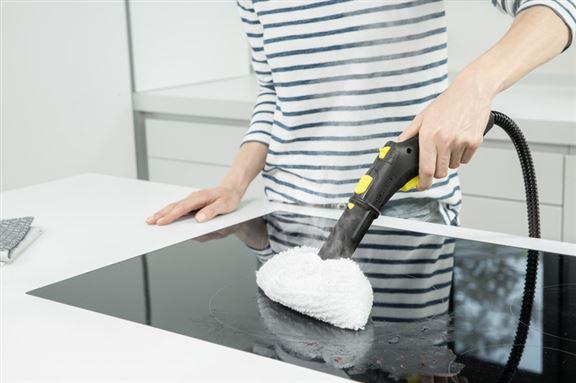 附有多個專用噴嘴及配件如地板刷頭、手持刷頭、小圓刷,以便進行不同用途清潔。
