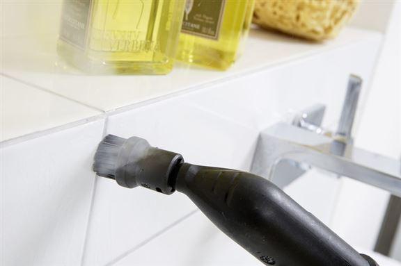 除用作潔淨地板外,還可應用在床具用品、窗簾、梳化等清潔消毒,甚至潔淨廚房、浴室內的污垢。