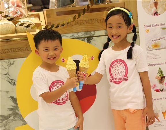炎炎夏日,人氣日式甜品店i CREMERiA將於活動期間發售特色Baby Shark主題雪糕及飲品,讓小朋友消暑!