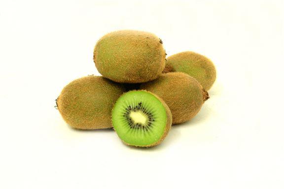 奇異果小顆,一餐多吃幾個,攝取的熱量隨時比吃飯還要多。