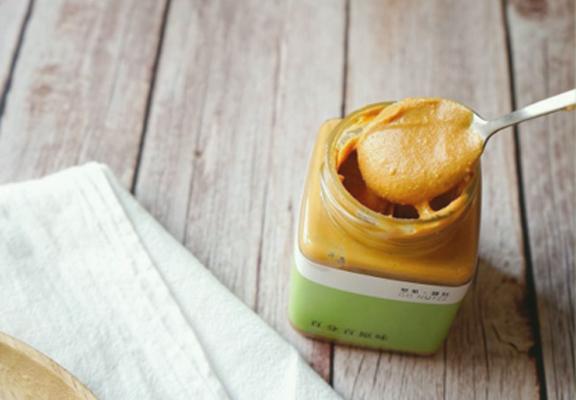 「百分百原味花生醬_選用美國空運進口花生,香味特濃。