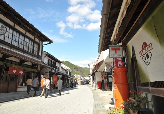 勝山城鎮至今仍保存著三浦藩城下町街景。