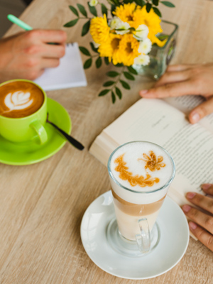 把家中一個角落,變為咖啡角,這裡將成為全屋的「呼吸位」,為家居觀感帶來新鮮感。