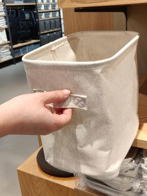 儲物籃設有手提,取出方便容易。
