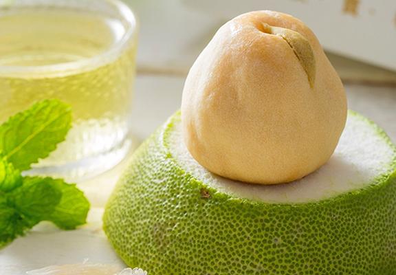 小柚餅小巧精緻,柚子入餡味道清新。