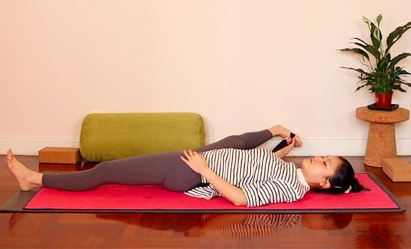 月經期間的紓緩練習 | 靜心調理經期緩腰痛