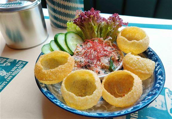 南越蟹肉醬配脆球餅 $68