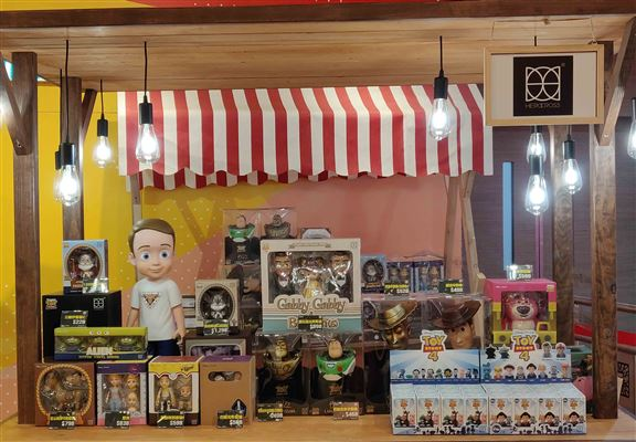 Herocross檔位有多款Toy Story和Disney等figure及精品。
