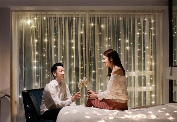 酒店為你準備埋氣泡酒,情侶入住更添浪漫氣氛。