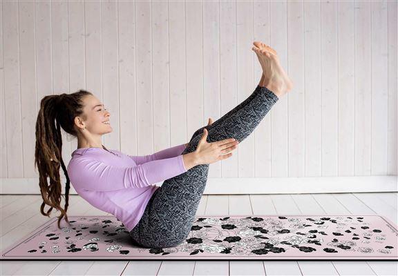 瑜伽墊圖案設計風格多樣,而且較女性化,更能凸顯個人品味。