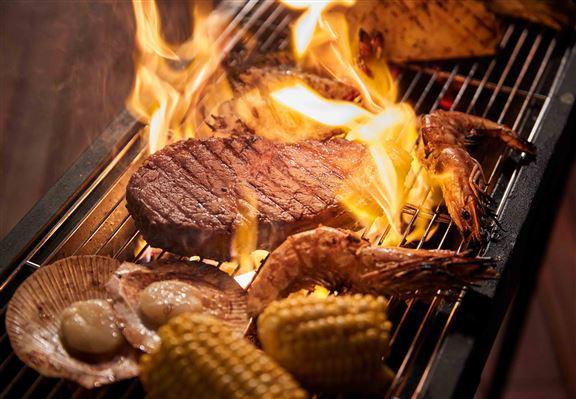 燒烤食材逾60多款,無論愛食肉、海鮮或素食者都照顧到。