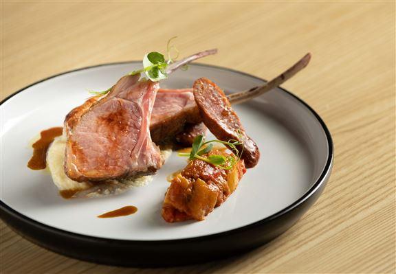 法國阿貝倫羊鞍、玉米蓉、普羅旺斯燉菜、迷迭香汁