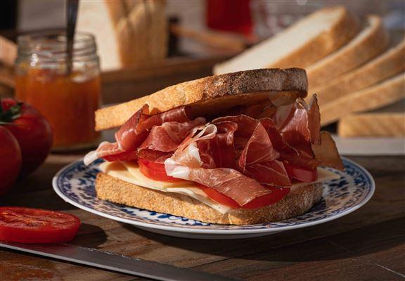 白酸種麵包味道醇厚。