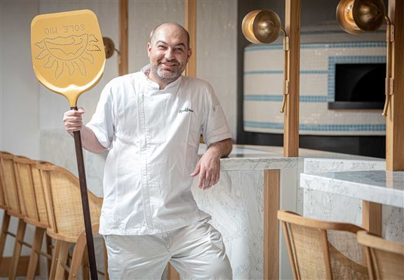 薄餅廚師 Michel Delgi Agosti經驗豐富。