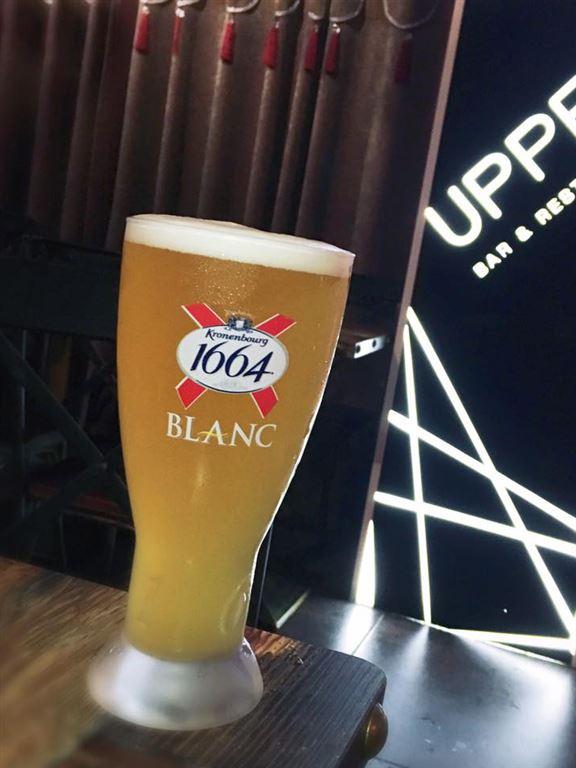精選生啤如 1664、Asahi任飲。