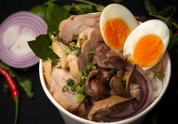 阮氏特別雞肉湯粉
