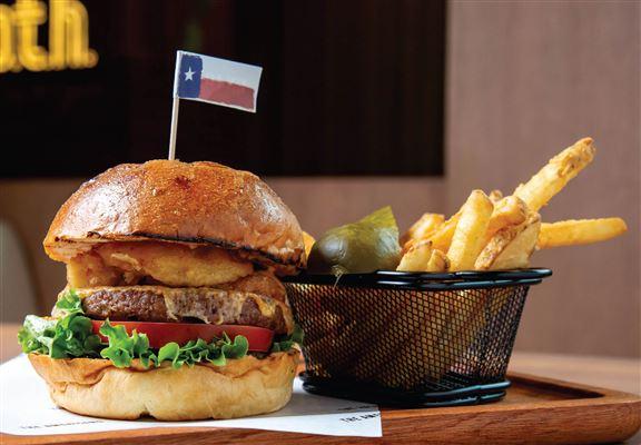 素食植物牛肉芝士漢堡,素食者都能享受食漢堡嘅快樂。