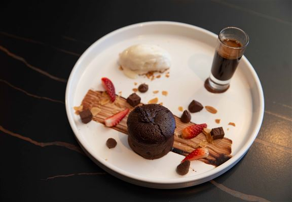 Chocolate Fondant with House Blend Affogato係甜品控至愛。