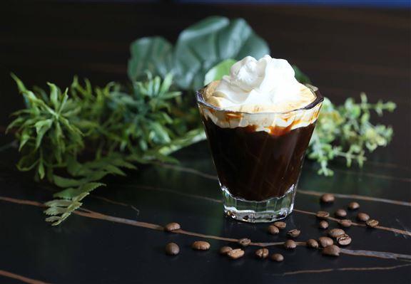 Irish Coffee以愛爾蘭威士忌及咖啡調製而成。