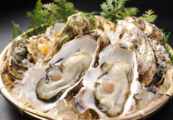 岩牡蠣味道濃厚、香而無臭味,堪稱天下一美味。