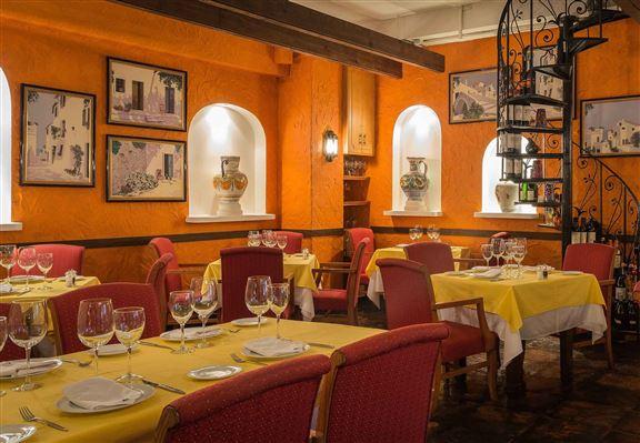 Ole西班牙餐廳屹立中環23年,主打正宗西班牙地道菜式。