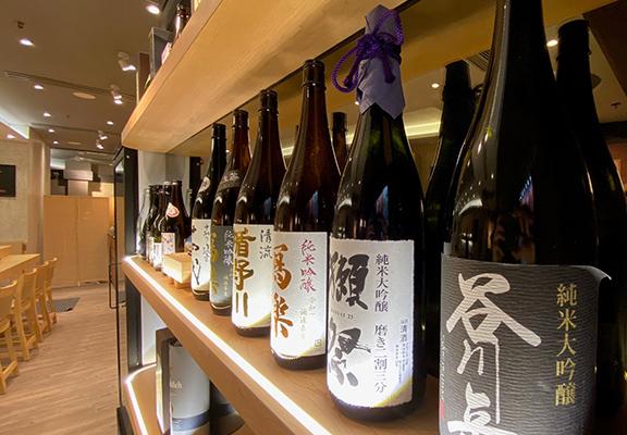 餐廳供應罕有世界級清酒,包括長期登上日本SAKETIME排名前五的1.8L山形縣十四代、埼玉縣花陽浴及三重縣而今。