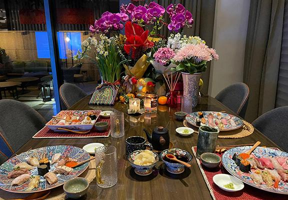 餐廳提供「HOMAKASE服務」,讓客人在家都可歎到廚師發辦嘅優質菜式。