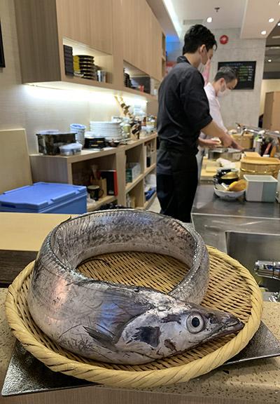 海鮮魚產每日下午由日本空運送抵餐廳。