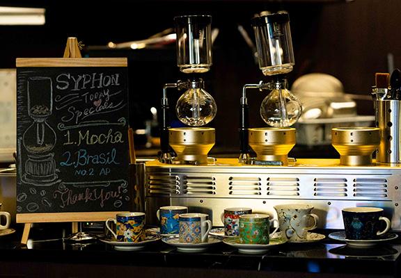 Sonia Coffee會不定期供應各款虹吸咖啡選擇,為客人帶來驚喜。