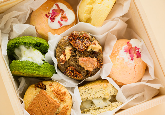 Bakieee Bakery出品嘅特濃小山園焙茶巴斯克芝士蛋糕,啖啖茶香配軟綿蛋糕口感。