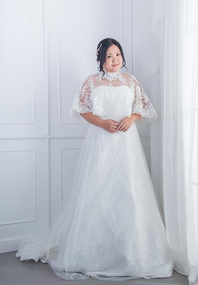 輕紗肩袖婚紗 $5,999