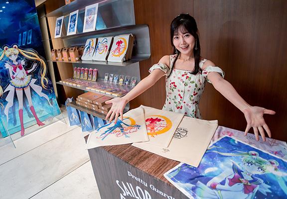 會場限定精品店內有多款美少女戰士周邊商品供粉絲選購。