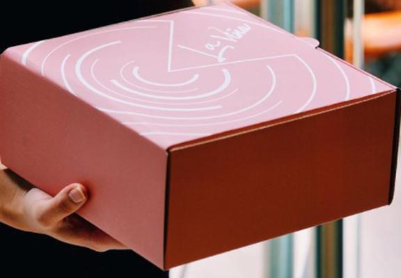 La Vina提供即日下單及速遞服務,接到order先開始烘焙,保證蛋糕新鮮。