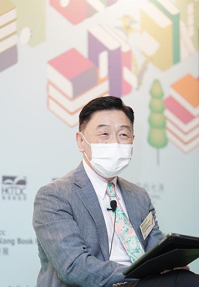 香港貿發局副總裁周啟良表示,書展以「心靈勵志」作為年度主題,希望給香港一劑心靈良藥,從閱書中培養正面生活態度。