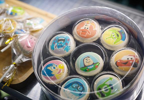 山下菓子製作嘅限定主題甜品。