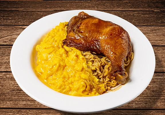 太平館瑞士汁雞髀撈公仔麵