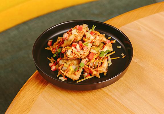 「素芝士辣醬炸雲吞」係西式素食版錦滷餛飩和墨西哥粟米片嘅結合版。
