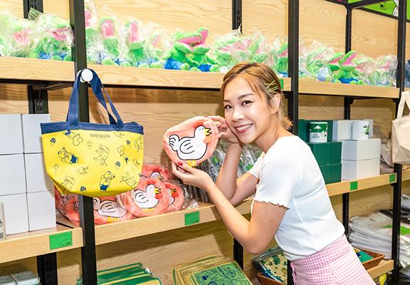 限定店内出售嘅精品全部由日本直送抵港。