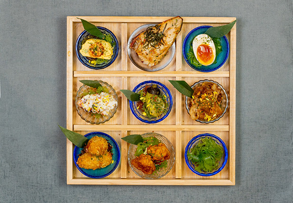 仁王門御膳融入京都傳統料理元素,配搭精緻盛器,視覺和味覺同享受。