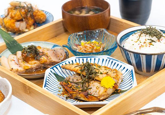 仁王門定食亦是店內人氣之選,款式包括:吉列炸豬梅肉、梅酒醬油漫煮五花肉及白麵仕醬燒鯖魚等。